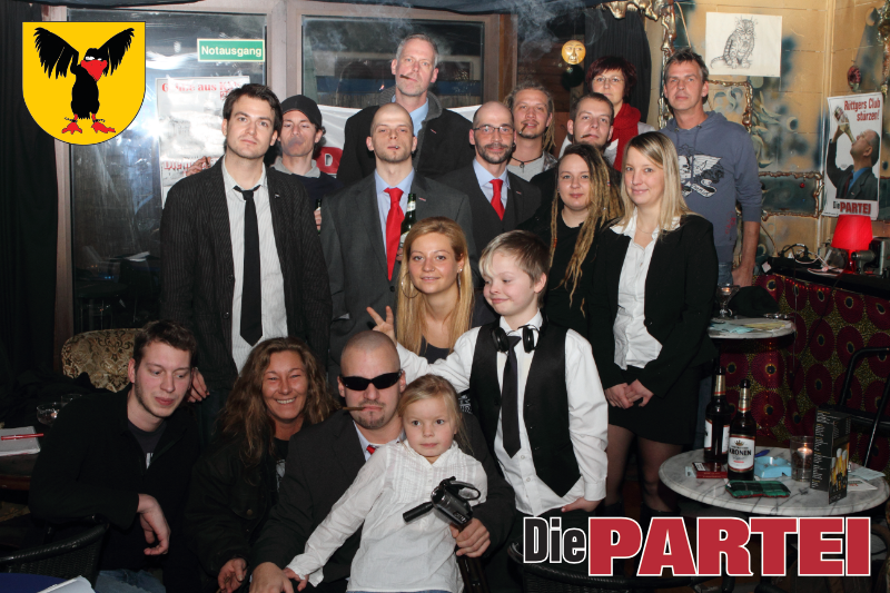 Gruppenfoto nach der Gründung am 18.12.2011 im Cafe Banane. (Foto: Kuhnert)