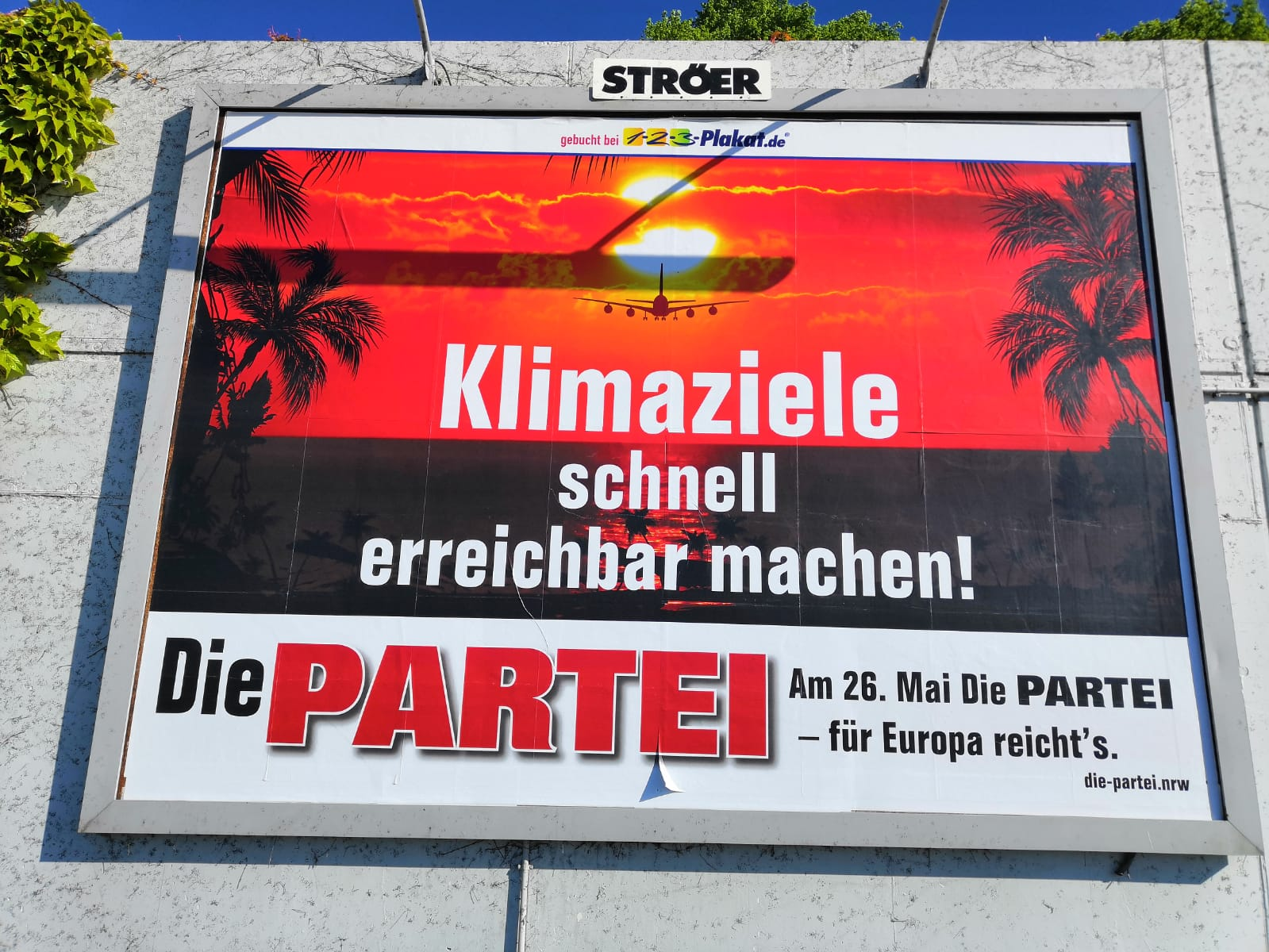 Großplakat am Dortmunder Flughafen